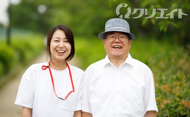 有料老人ホームで日常生活の介護業務
