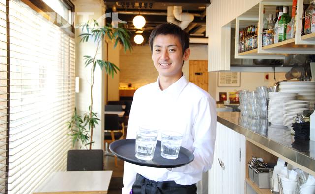 (土日)焼肉レストランホールスタッフ